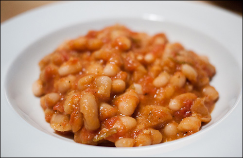 tuscan white beans with tomato and sage